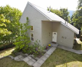 1309 VANCOUVER ST NELSON